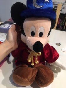 ワールドファミリーのミッキーマジシャン